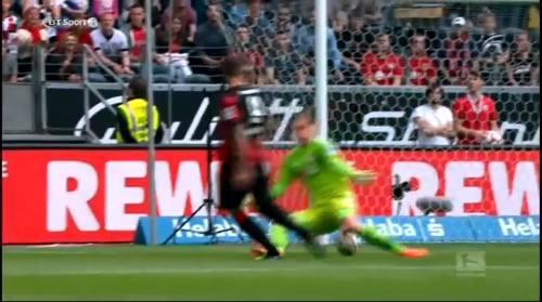 Eintracht Frankfurt v B04 - Seferovich goal 1