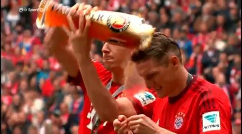 Lewandowski and Schweinstiger - beer celebrations 2