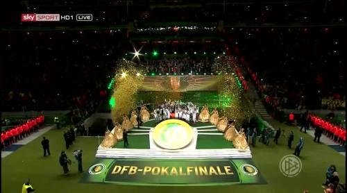 Wolfsburg celebrate 8
