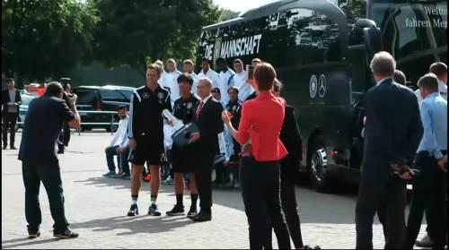 Die Mannschaft Bus Key