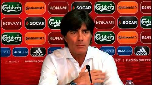 Joachim Löw - Post-match Pressekonferenz - Deutschland v Gibraltar 1