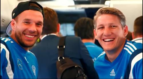 Lukas Podolski & Bastian Schweinstiger - Ankunft in Faro 2