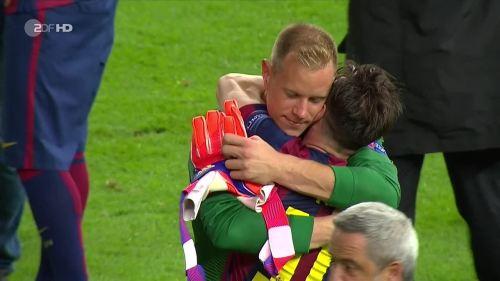 Marc Andre ter Stegen & Lionel Messi celebrate