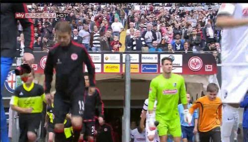 Roman Bürki - Eintracht Frankfurt v SC Freiburg - MD1 1