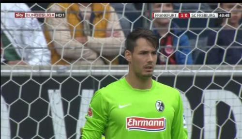 Roman Bürki - Eintracht Frankfurt v SC Freiburg - MD1 4 (1)