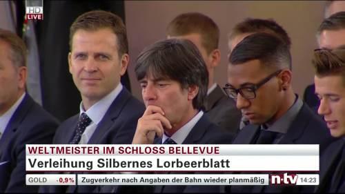 Silbernes Lorbeerblatt Präsentation – Joachim Löw 8
