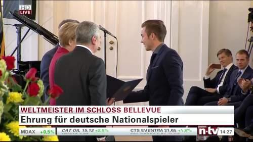 Silbernes Lorbeerblatt Präsentation – Mario Götze 3