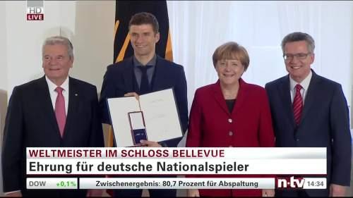 Silbernes Lorbeerblatt Präsentation – Thomas Müller 3