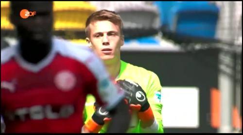 Alexander Schwolow - Fortuna Düsseldorf v SC Freiburg 1