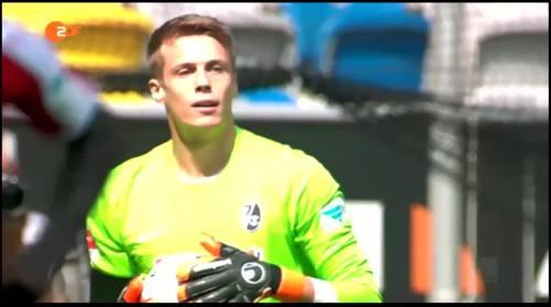 Alexander Schwolow - Fortuna Düsseldorf v SC Freiburg 2