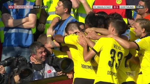 Ginter goal celebrations – Ingolstadt v BVB 6