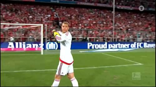 Manuel Neuer – Bayern v HSV 4