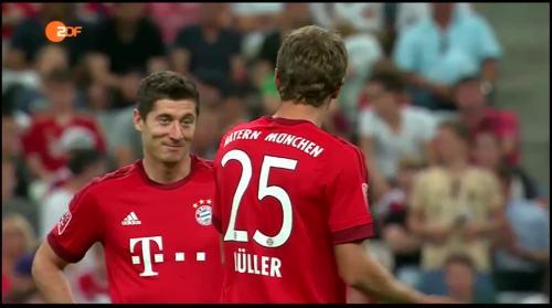 Robert Lewandowski & Thomas Müller – Bayern v AC Milan 1