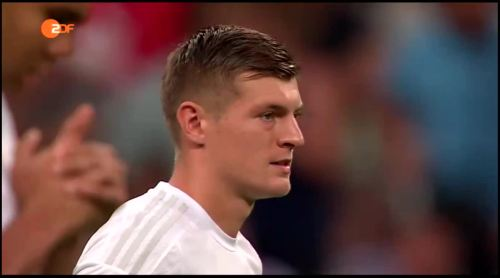 Toni Kroos – FCB v Real Madrid 1