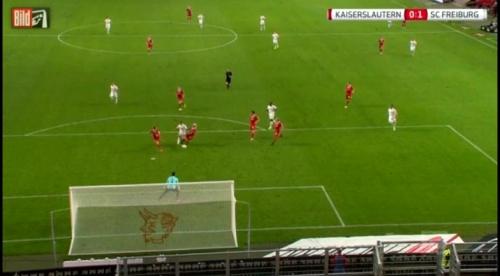 Amir Abrashi - 1.FCK v SC Freiburg 2