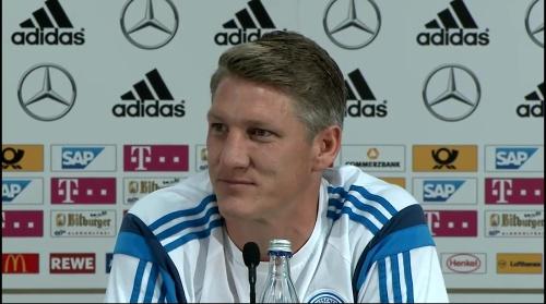 Bastian Schweinsteiger - Pressekonferenz 10