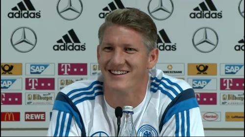 Bastian Schweinsteiger - Pressekonferenz 11