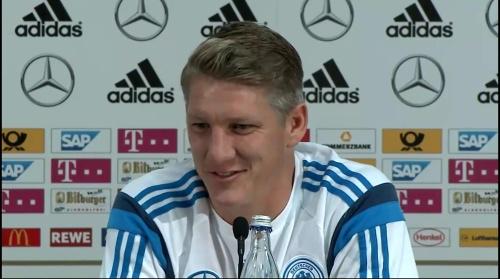 Bastian Schweinsteiger - Pressekonferenz 12