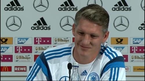 Bastian Schweinsteiger - Pressekonferenz 9