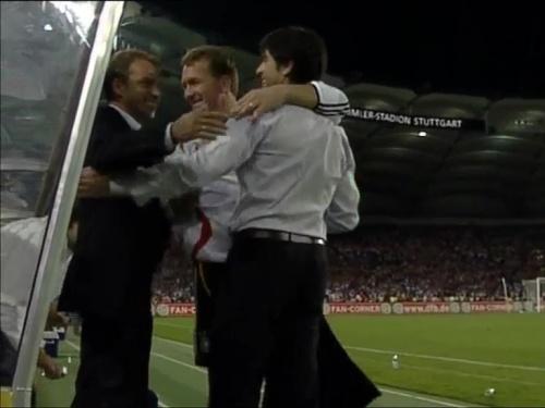 Joachim Löw & Hansi Flick – Deutschland v Irland 17