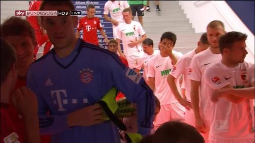 Manuel Neuer - Bayern v Augsburg 1