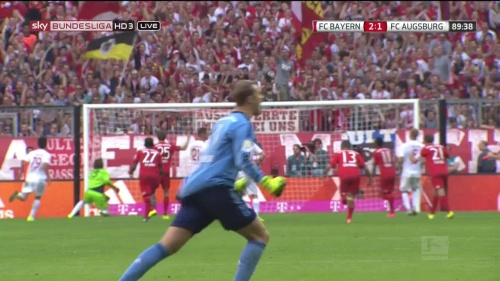 Manuel Neuer - Bayern v Augsburg 3