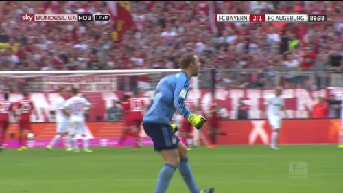 Manuel Neuer - Bayern v Augsburg 4