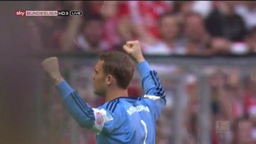 Manuel Neuer - Bayern v Augsburg 8