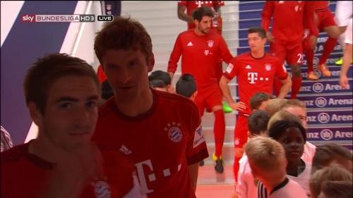 Philipp Lahm & Thomas Müller – Bayern v Augsburg 3