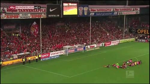 SC Freiburg celebrate - MD5