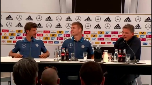 Thomas Müller & Toni Kroos - press conference 5
