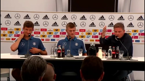 Thomas Müller & Toni Kroos - press conference 6