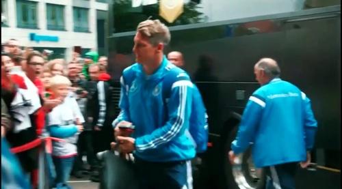 Bastian Schweinsteiger – Ankunft in Leipzig 1