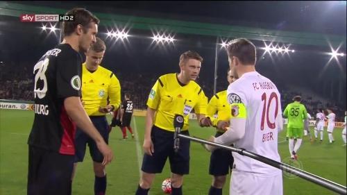 Julian Schuster - SC Freiburg v FCA - DFB Pokal 2015-16 4