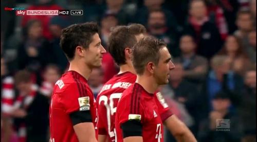 Lahm, Lewandowski & Müller – Bayern v Wolfsburg 10