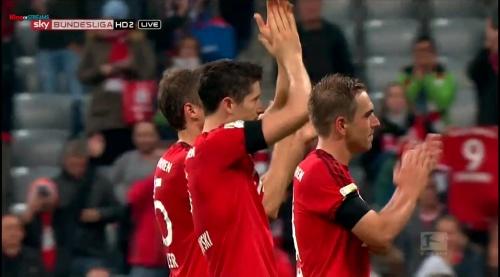 Lahm, Lewandowski & Müller – Bayern v Wolfsburg 12