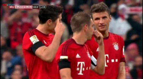 Lahm, Lewandowski & Müller – Bayern v Wolfsburg 4