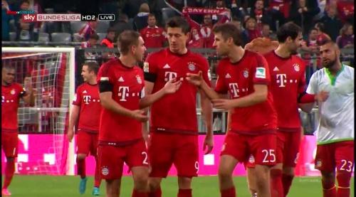 Lahm, Lewandowski & Müller – Bayern v Wolfsburg 5