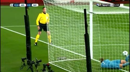 Manuel Neuer - Arsenal v Bayern 15