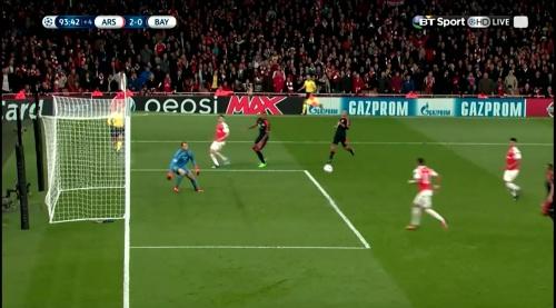 Manuel Neuer - Arsenal v Bayern 25