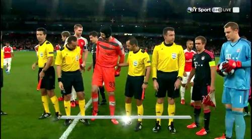 Manuel Neuer - Arsenal v Bayern 8