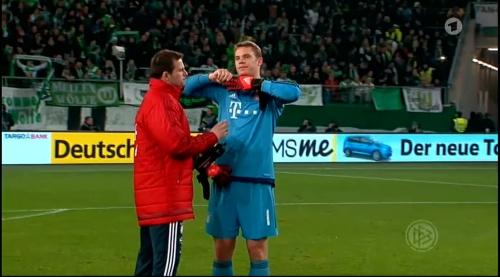 Manuel Neuer – Wolfsburg v Bayern (DFB Pokal 15-16) 10