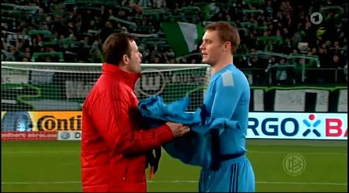 Manuel Neuer – Wolfsburg v Bayern (DFB Pokal 15-16) 11