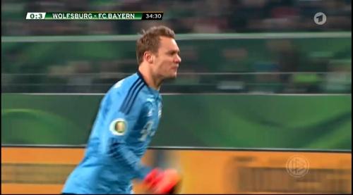Manuel Neuer – Wolfsburg v Bayern (DFB Pokal 15-16) 2