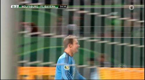 Manuel Neuer – Wolfsburg v Bayern (DFB Pokal 15-16) 4