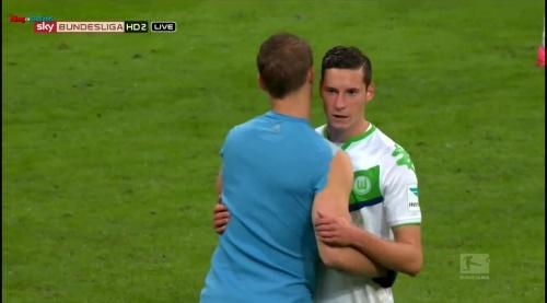 Manuel Neuer & Julian Draxler – Bayern v Wolfsburg 1