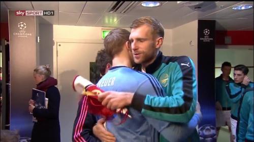 Manuel Neuer & Per Mertesacker - Arsenal v Bayern 2