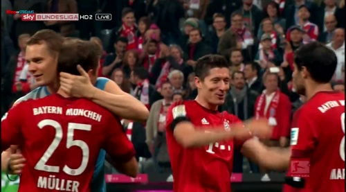Manuel Neuer & Thomas Müller – Bayern v Wolfsburg 1