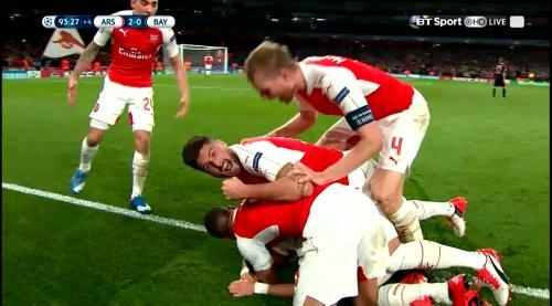 Mesut Özil & Per Mertesacker – Arsenal v Bayern 1