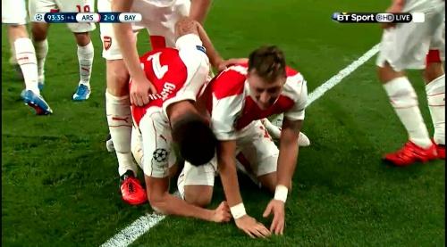 Mesut Özil & Per Mertesacker – Arsenal v Bayern 2